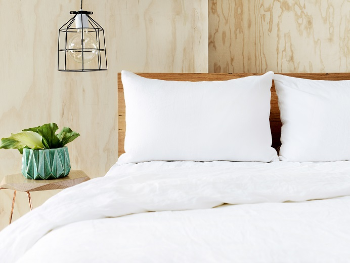**GIFTED** French Linen White King Quilt Cover $245