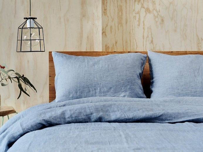 **GIFTED** French Linen Chambray King Quilt Cover $275