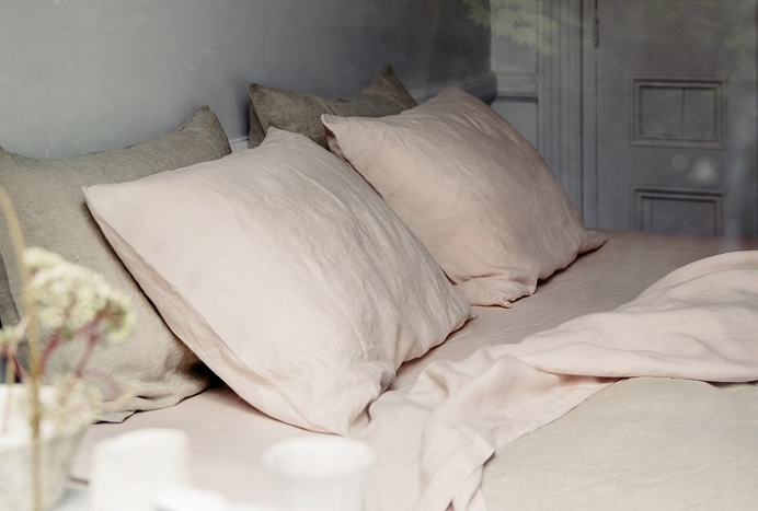 **GIFTED** French Linen Blush King Sheet Set $339